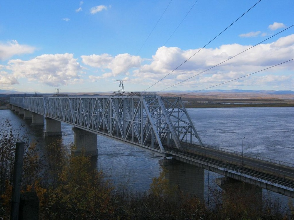 Existing bridge across the Amur River (in Komsomolsk on Amur) Photo credit: wikimedia